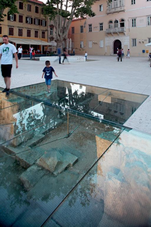 04 Detail Of Glass Floor Above Original Medieval Pavement And Entrance Into The City C Damir Fabijani